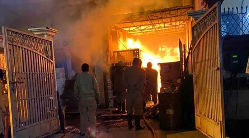 Two children charred into fire when a kerosin lamp falls down at Daspur