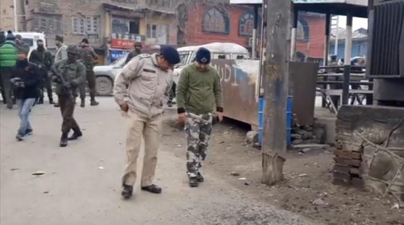 Terrorists hurl grenade on CRPF personnel at Srinagar's Kawdara