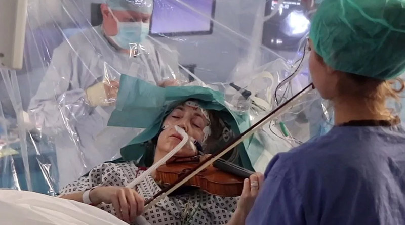 Patient play violin