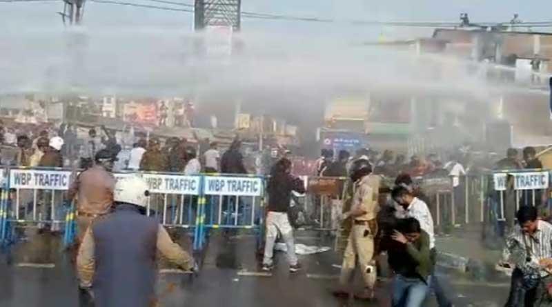 Clashes between police and DYFI members in Siliguri