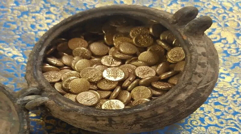 While digging17 Kg gold coin Recover From Tamil Nadu