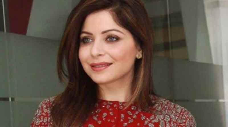 Up police Lodge Cases against singer Kanika Kapoor