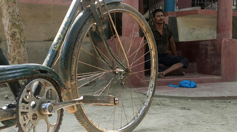 50 rs in Pocket, Bengal Man cycled for 13 days from Bihar to reach Home