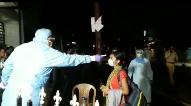 Parents applauds Mamata as students returns home From Kota
