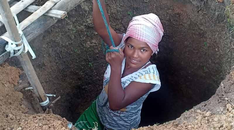 Ranigunj Block administration helps Babita Soren for her good job