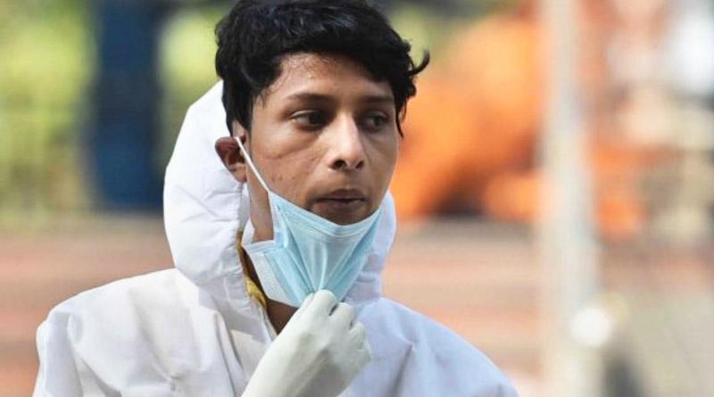 Breaking: Delhi boy cremates Corona dead bodies to run his family