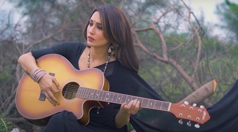 Breaking: Mimi sings Rabindra sangeet for her youtube channel