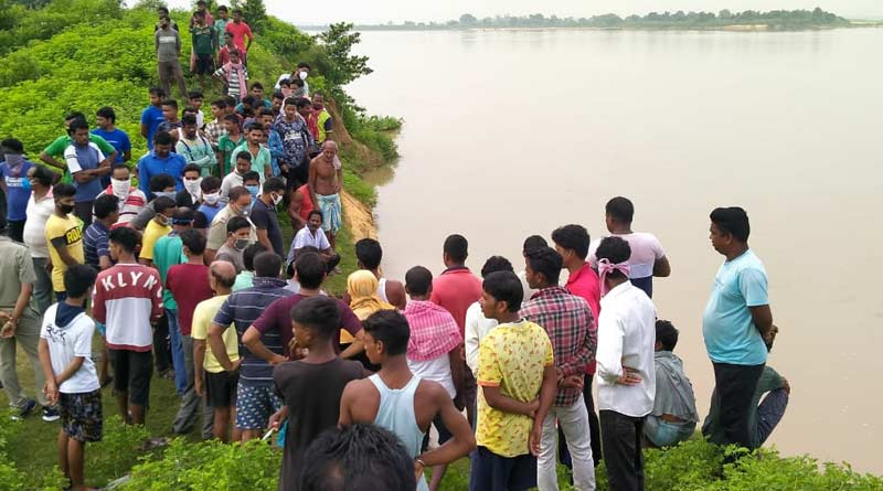 Four friends have drawned into Damodar River at Andal today morning