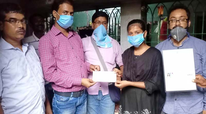 Bengal Madrasa Education Forum gives scholarship to topper Students