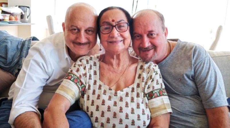 Actor Anupam Kher's mother, brother, tests positive for Corona