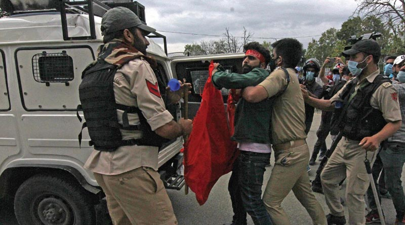 J-K Police detain Shia mourners trying to take out Muharram procession