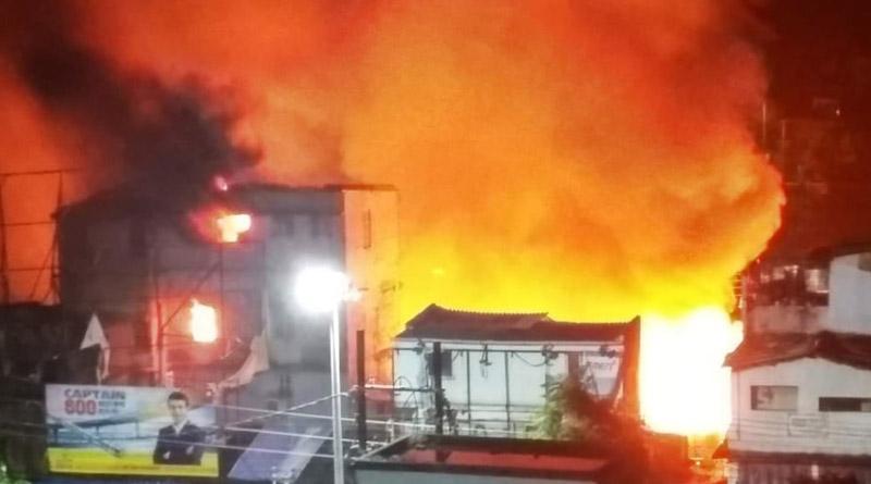 Massive Fire breaks out at Baruipur Kachari Bazar