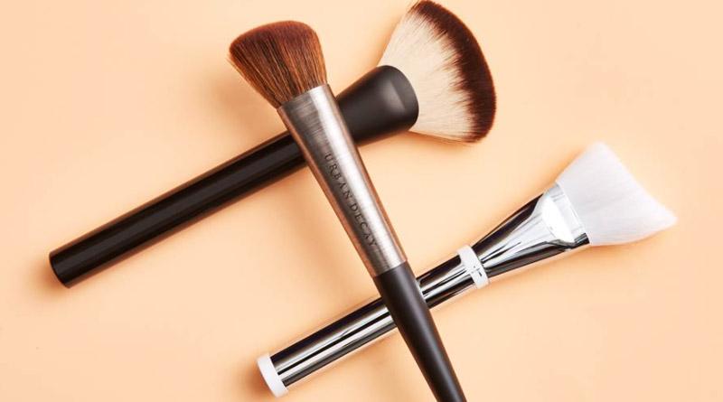 Make-up-brush care