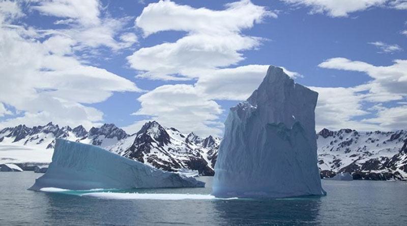 A68a, the biggest iceberg of the world on collision path at South Georgia| Sangbad Pratidin