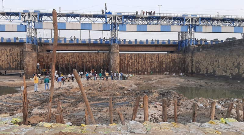 Repairing work of Durgapur barrage is still going on, may end at night today| Sangbad Pratidin