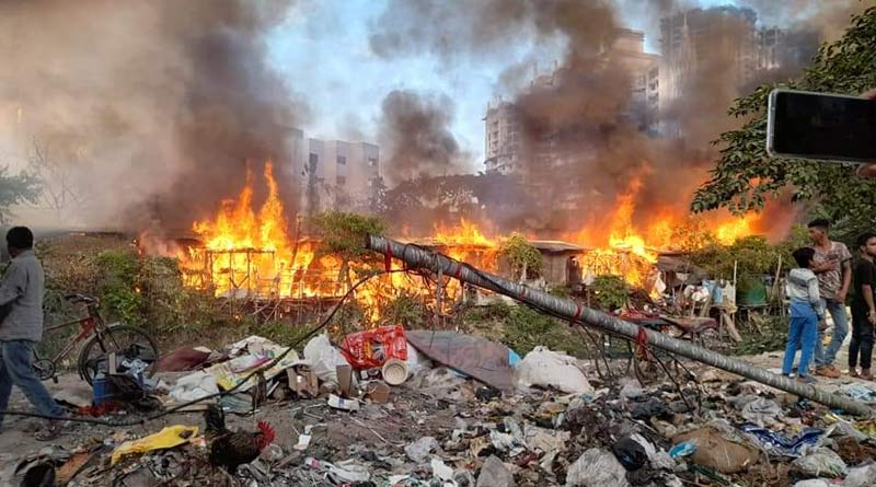 Kolkata municipality provides financial assistance to the victims of the Tapasia fire