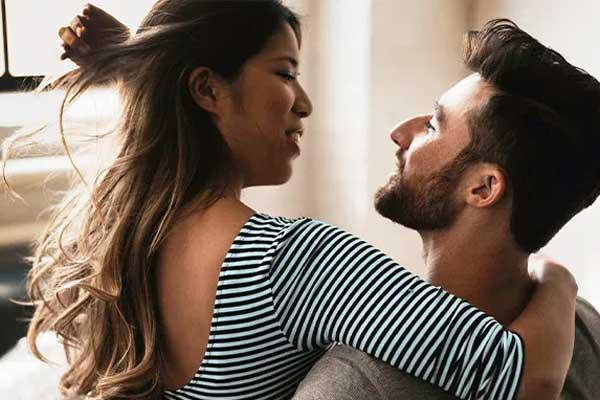 Deal with Flirtatious Boyfriend with ways