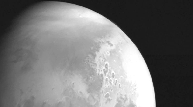 China's space probe Tianwen-1 sends back its first black and white image of Mars |SangbadPratidin