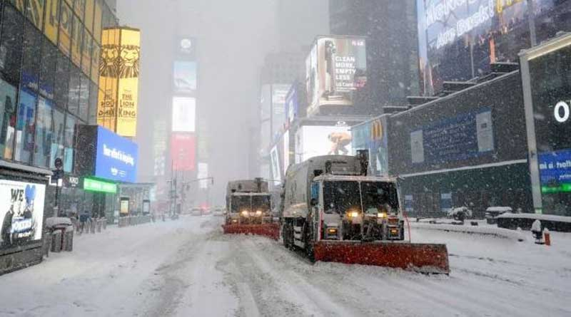 Huge snowstorm hits US east coast, disrupts COVID-19 vaccination | Sangbad Pratidin