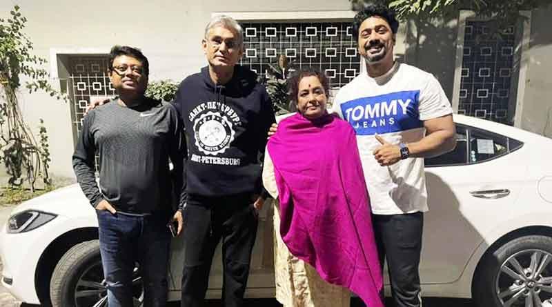 Dev reunted with Sanjhbati directors Leena Gangopadhyay and Saibal Banerjee | Sangbad Pratidin