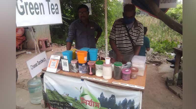 This Kolkata Tea Stall Serves A Special Tea Worth 1000 rupees Per Cup