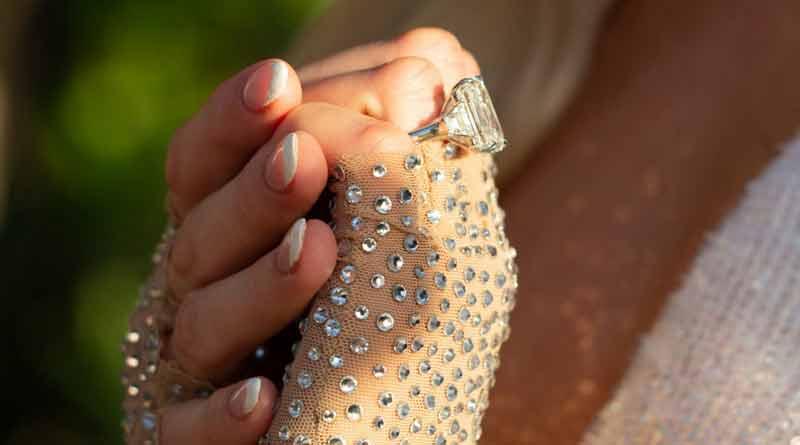 Paris Hilton gets 2 million dollar ring as wedding proposal | Sangbad Pratidin