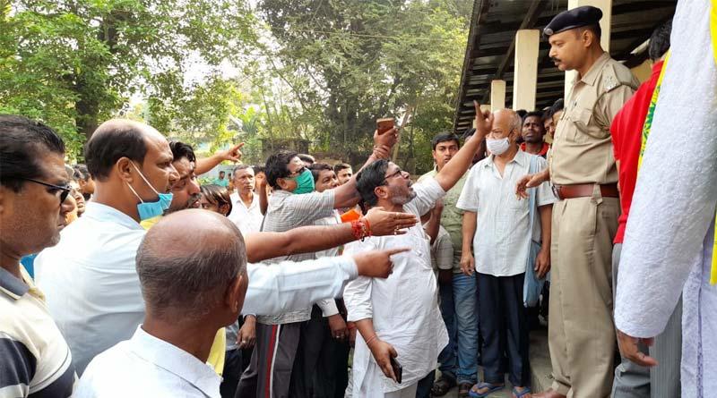 BJP leader's hanging body found in Dinhata sparks controversy | Sangbad Pratidin