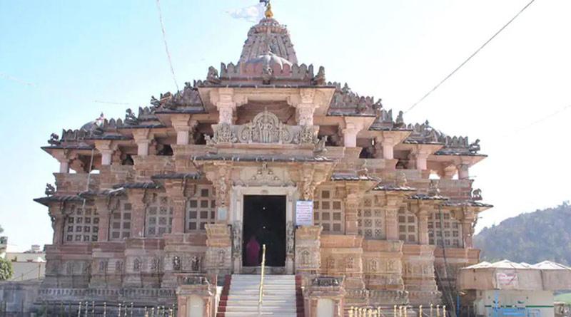 Gujarat's Shamlaji temple bars devotees wearing short dresses and Bermudas   Sangbad Pratidin