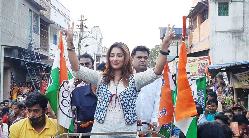 TMC Candidate Sayantika Banerjee campaigning at Bankura ahead of WB Election 2021 | Sangbad Pratidin