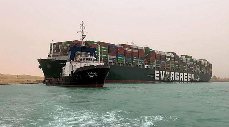 Massive Ship Blocking Suez Canal Costs About $400 Million An Hour | Sangbad Pratidin
