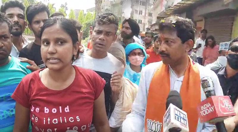 WB assembly Election 2021: TMC workers show Black flag to BJP candidate Rajib Banerjee | Sangbad Pratidin