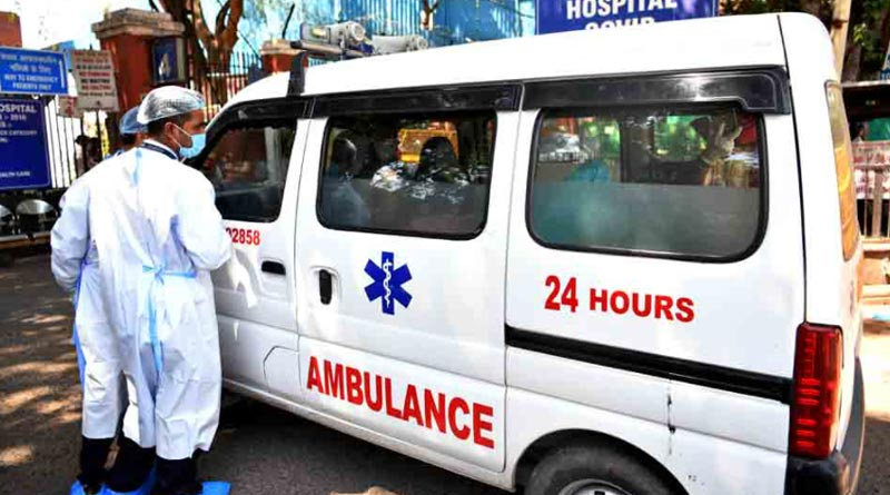 Bodies of 22 COVID-19 victims stuffed in one ambulance in Maharashtra | Sangbad Pratidin