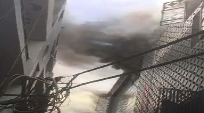 Fire breaks out in a factory near MTNL office in Damodar Park | Sangbad Pratidin