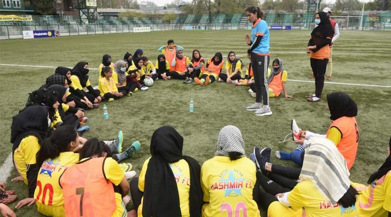 New ray of hope for Kashmiri Girls as Lonestar Kashmir FC Launch All-girls Club | Sangbad Pratidin