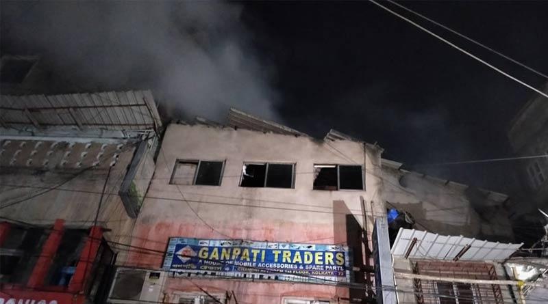 Massive fire breaks out at Kolkata's Chandni Chowk| Sangbad Pratidin