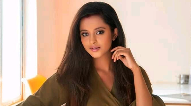 Bengali TV Actress Shruti Das slams a hater on Facebook | Sangbad Pratidin