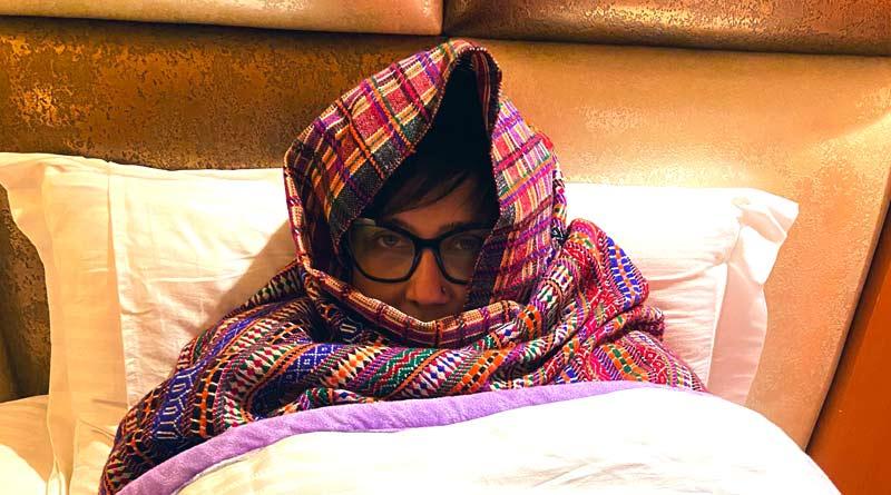 Bengali actress Swastika Mukherjee freezing in Kashmir | Sangbad Pratidin