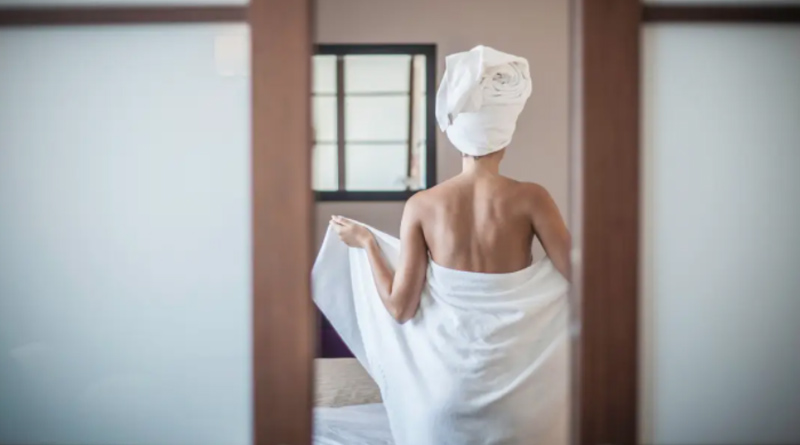 woman-towel
