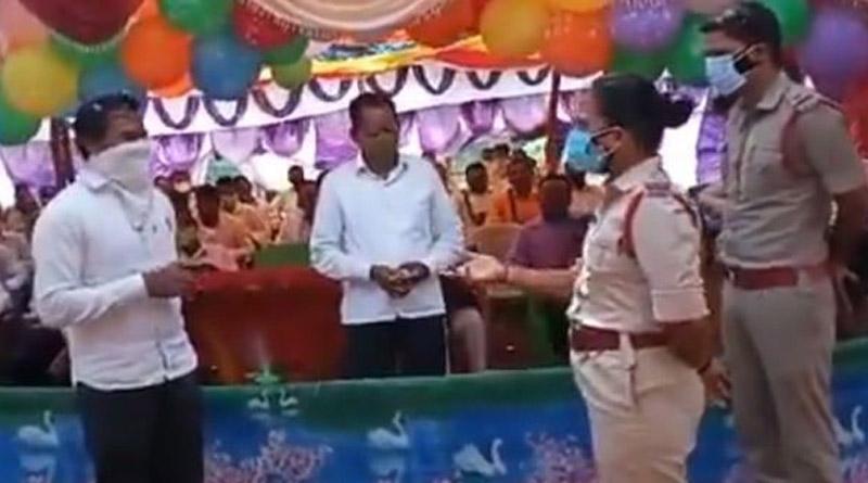 Prayer meet in Andhra Pradesh, violating lockdown, stopped by cops   Sangbad Pratidin