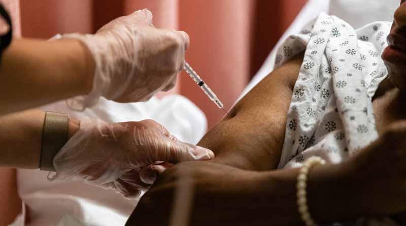 Five people cheated in the name of Corona vaccination at Phoolbagan of Kolkata । Sangbad Pratidin