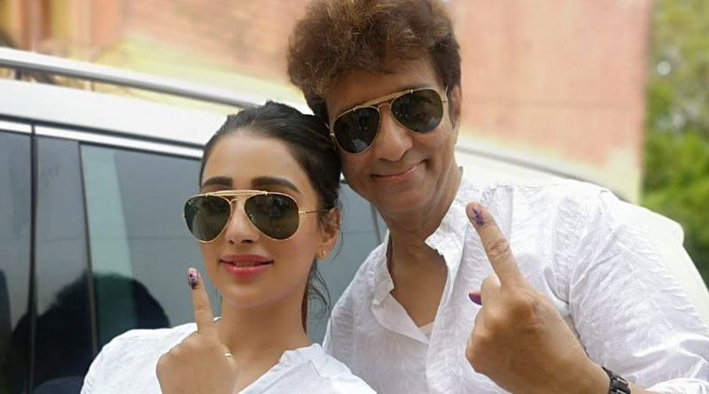 Corona News: Tollywood actress Sayantika Banerjee's father tested COVID positive | Sangbad Pratidin