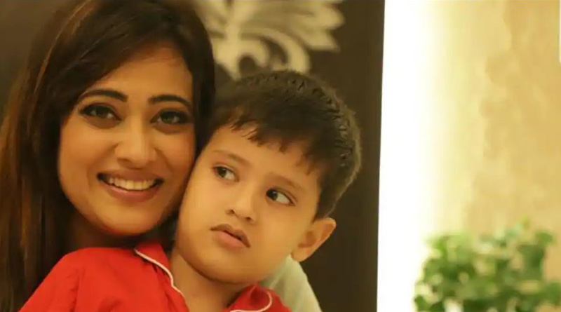 Actress Shweta Tiwari shares shocking CCTV footage of estranged husband Abhinav Kohli trying to snatch her son | Sangbad Pratidin
