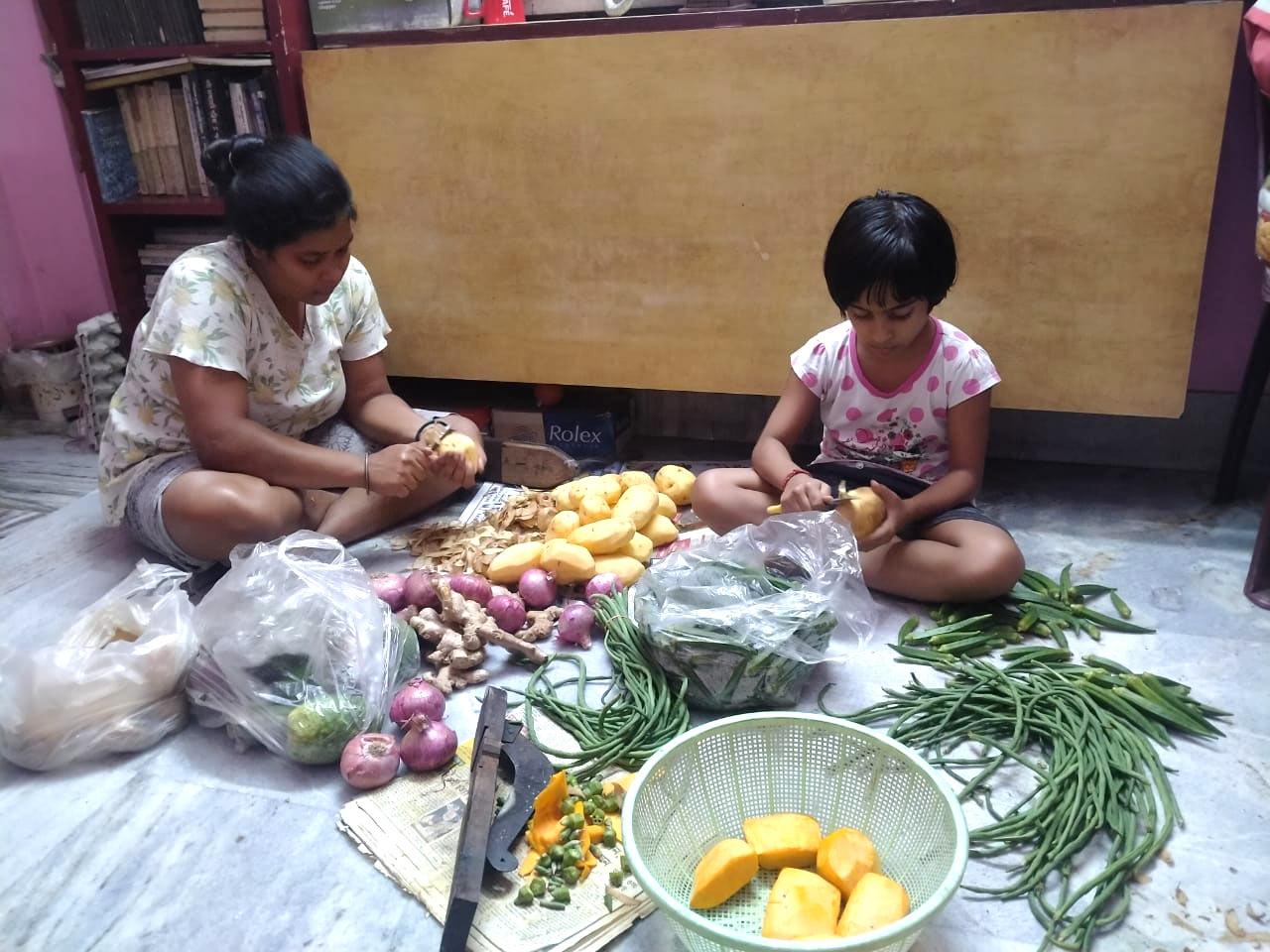 Meet Covid warrior Srabasti Ghosh, Who serving Free meals to Corona patients in North Kolkata