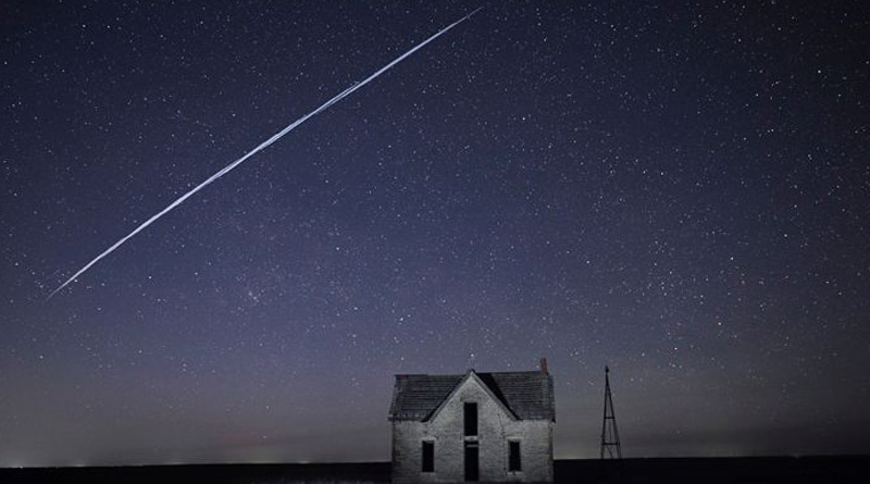 String of satellites over US night sky baffles residents, bugs astronomers | Sangbad Pratidin