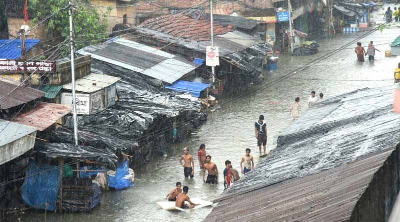No electricity in some waterlogged area in Kolkata after Cyclone 'Yaas'   Sangbad Pratidin