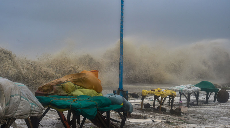 Cyclone Yaas: Coastal Bengal feels the punch, story of misery in pics | Sangbad Pratidin