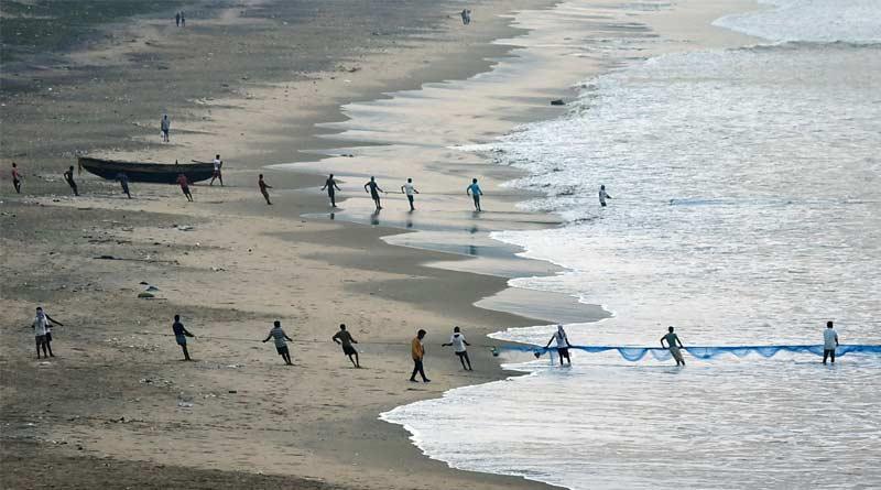 Bangladesh braces for cyclone Yaas, 3 lakh evacuated   Sangbad Pratidin