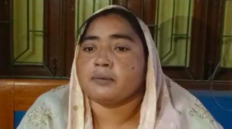 Panchayet President beaten up by mob in Jalangi | Sangbad Pratidin
