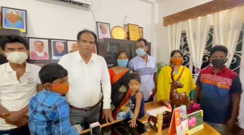 Some BJP leader take shelter in MP John Barla's house ।Sangbad Pratidin