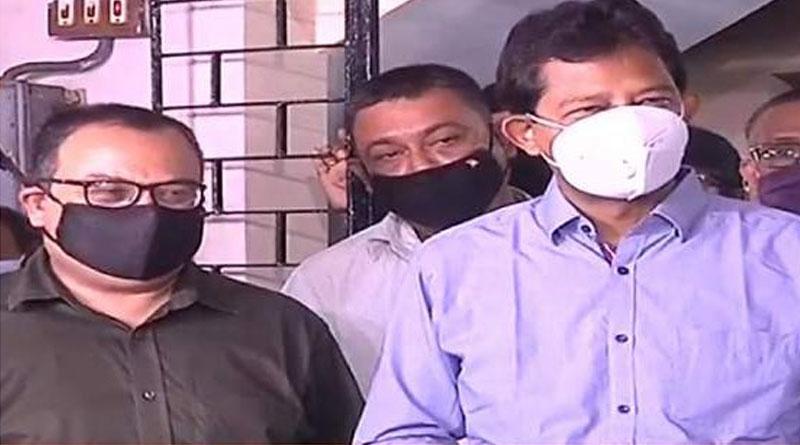 Rajib Banerjee meets Kunal Ghosh at his home, deep hint to come back to TMC | Sangbad Pratidin